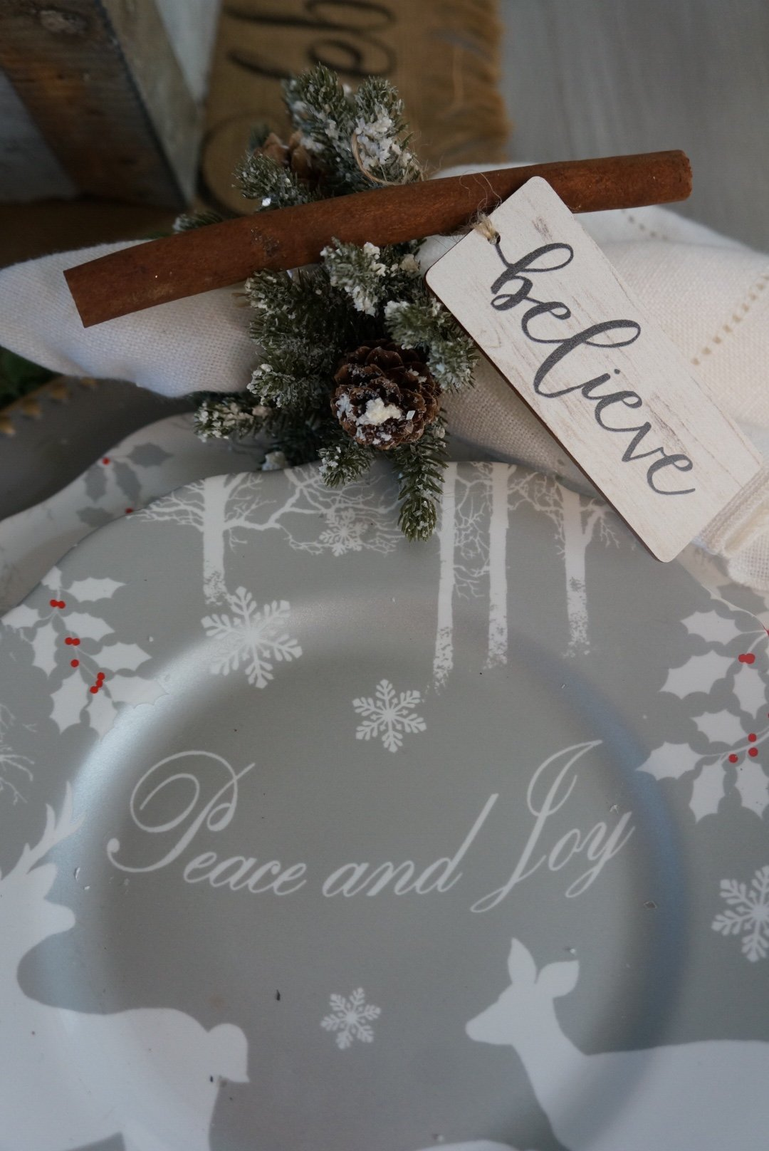 Easy Christmas Dining Room Table Setting With Silvers And