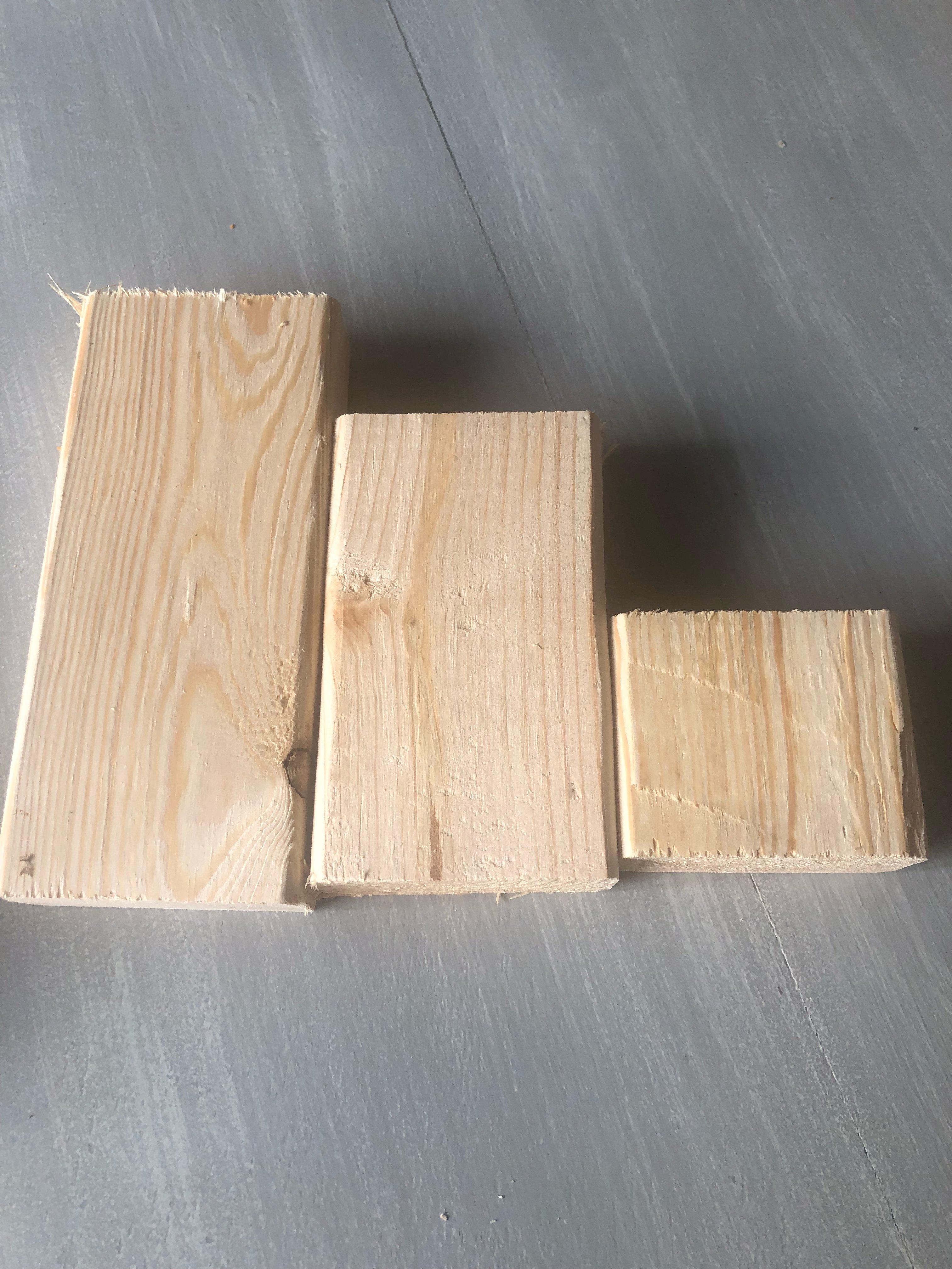 DIY wood pumpkins using scrap 2x4 wood for an easy fall diy