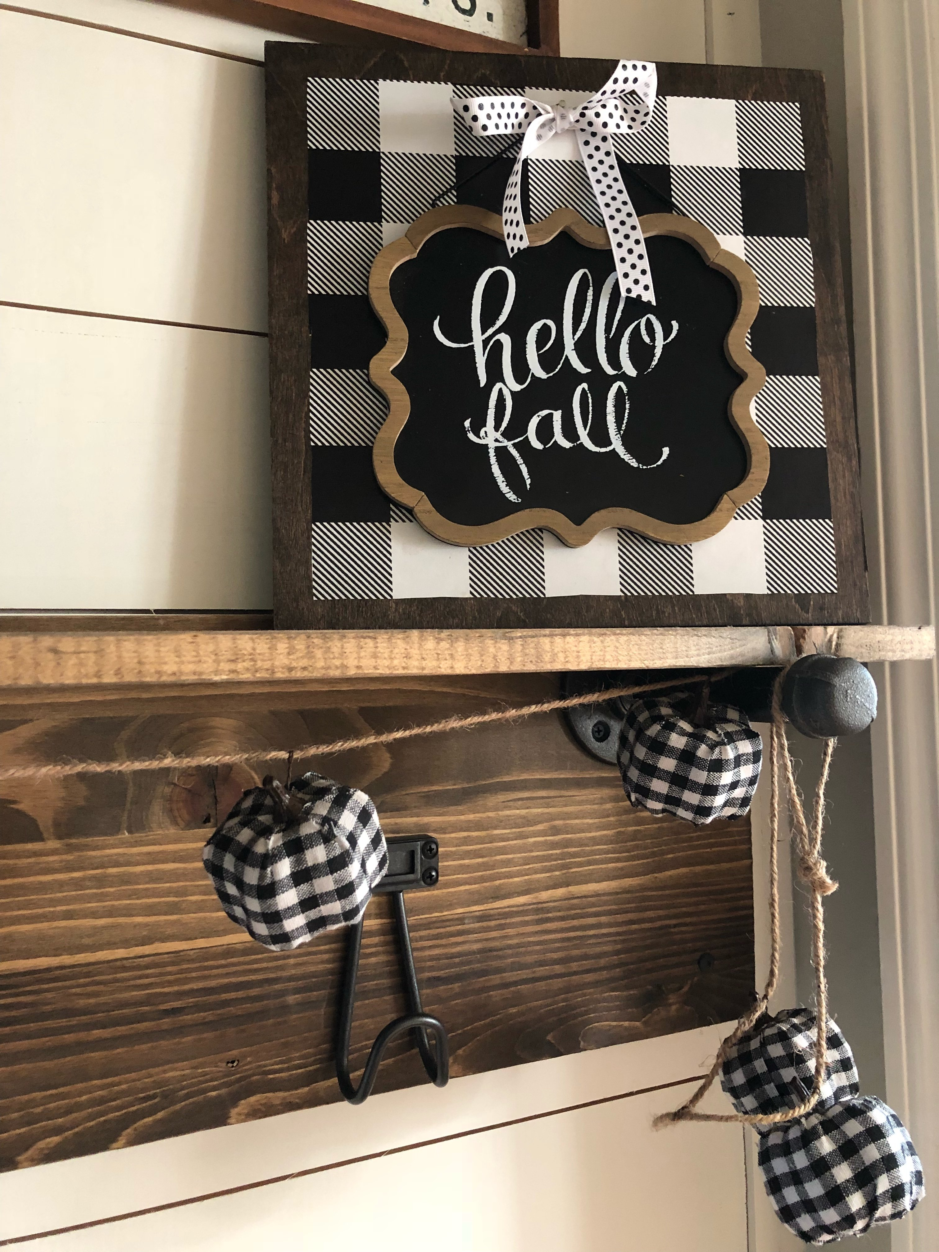 Easy DIY buffalo check sign! (No painting required!)