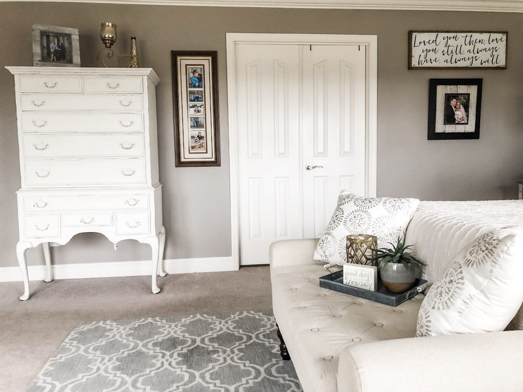 How to create a neutral master bedroom that's cozy cute and inviting