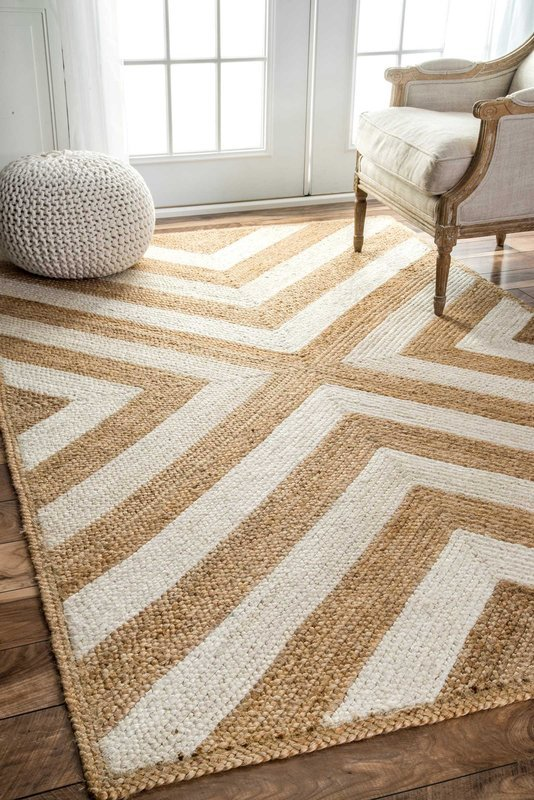 10 cute natural jute rugs you will love! This one is a fun herringbone pattern