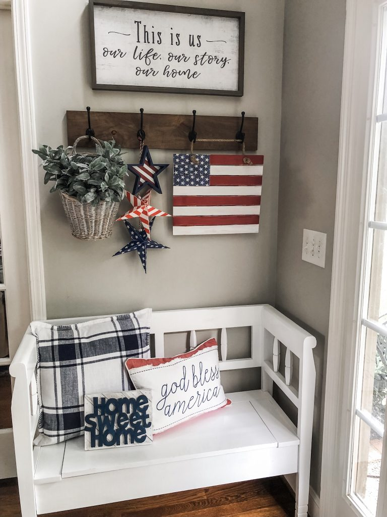 Easy pallet wood decor- used in the entry of my home for patriotic deco