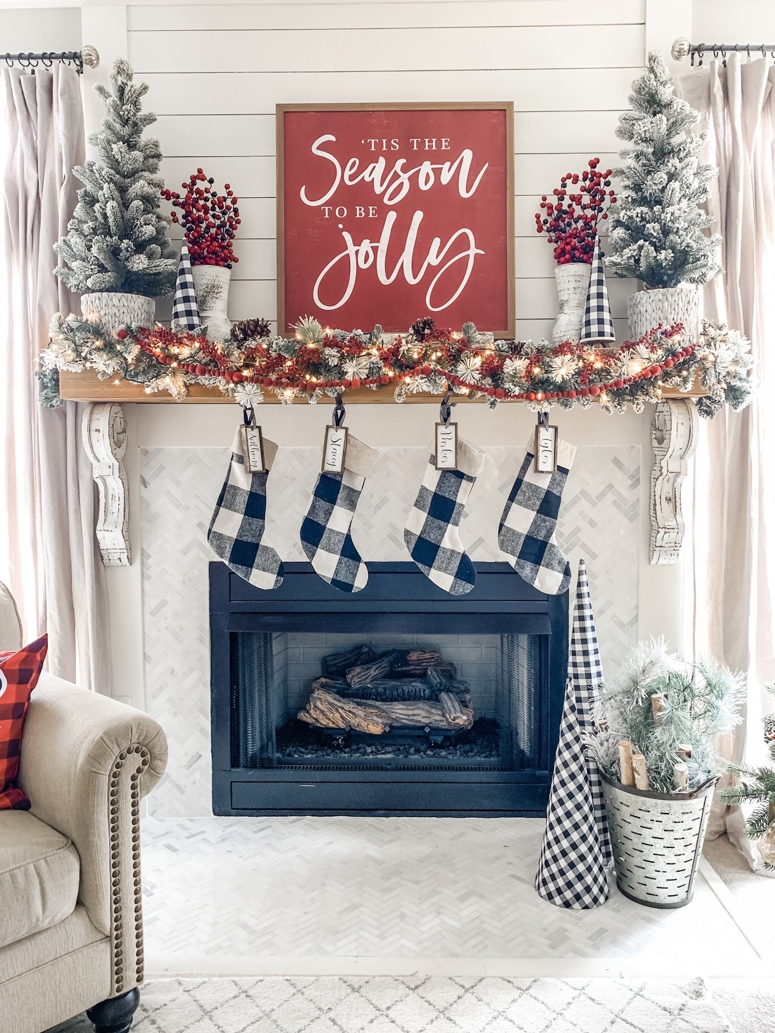 Christmas mantel decor ideas using buffalo check!