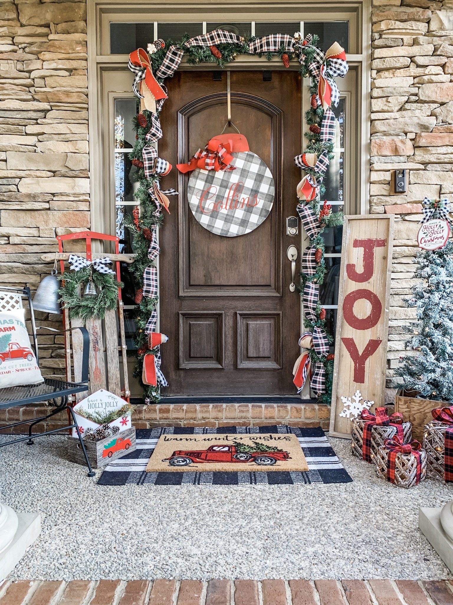Christmas front porch decorations for a festive look!