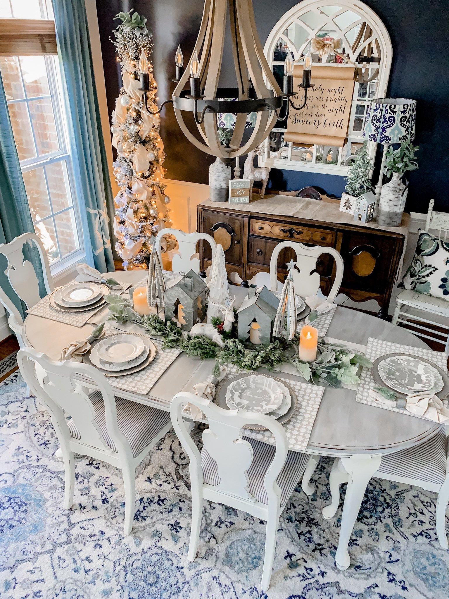 Neutral Christmas dining room decor