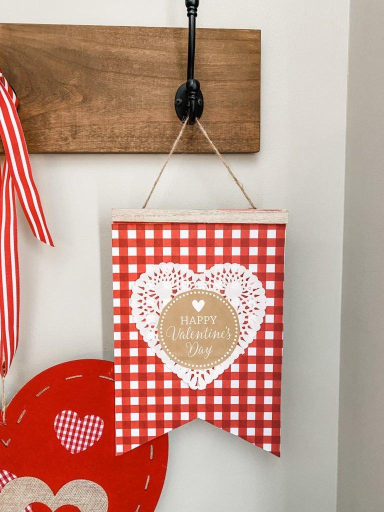 Dollar Tree Valentine's craft- adorable hanging pendant!