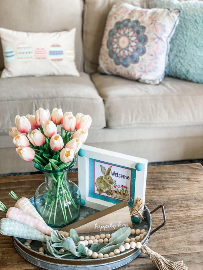 spring tray decor