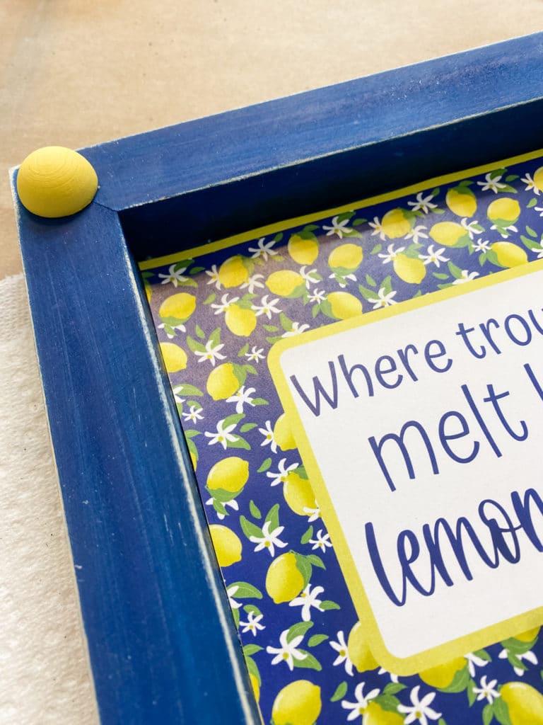 close up of lemon sign