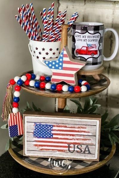 2 tier patriotic themed decor